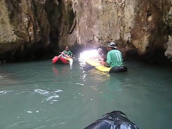 canoeing_2.avi