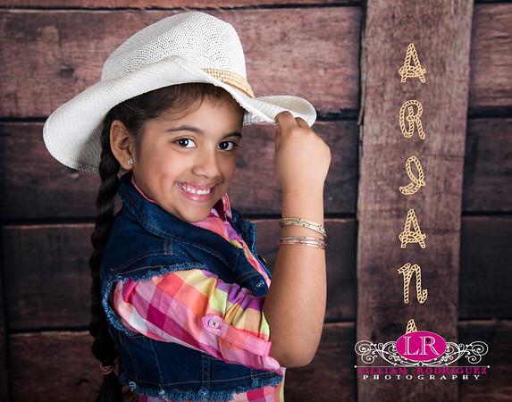 Cowgirl Ariana