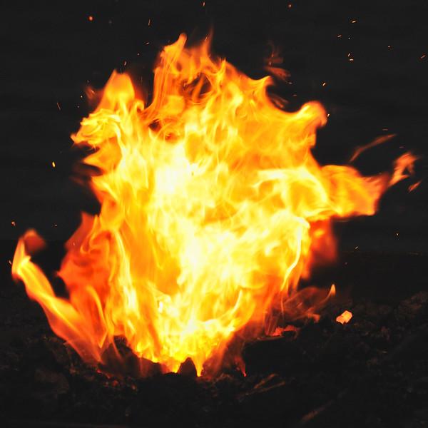 Prague Flame~3075-1.