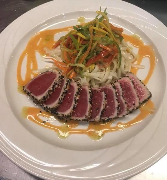 seared rare tuna