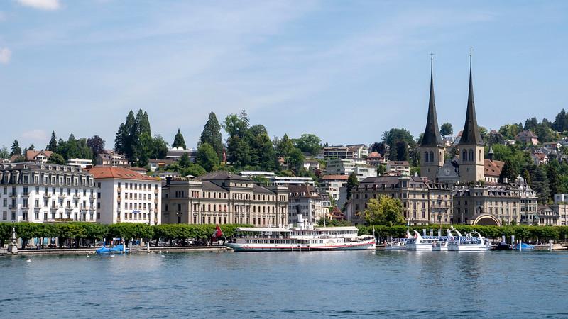 Switzerland-Boat-to-Lucerne01.jpg