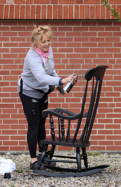 Painting rocking chair Lowell 042810