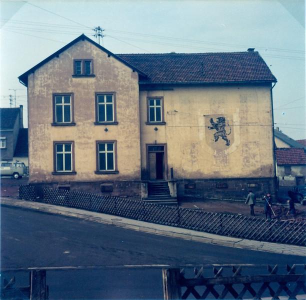 Oberes Altes Schulhaus erbaut 1870 (7).jpg