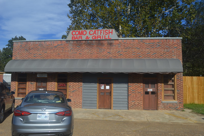 039 Como Catfish Bar & Grill.jpg