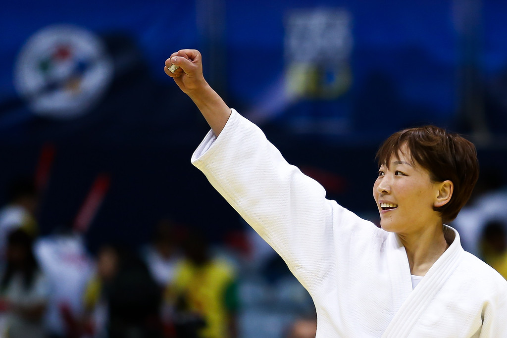 . RIO DE JANEIRO, BRAZIL - AUGUST 26:  Urantsetseg Munkhbat of Mongolia celebrates the victory and a gold medal in the -48 kg category during the World Judo Championships at the Maracanazinho gymnasium on August 26, 2013 in Rio de Janeiro, Brazil. (Photo by Buda Mendes/Getty Images)