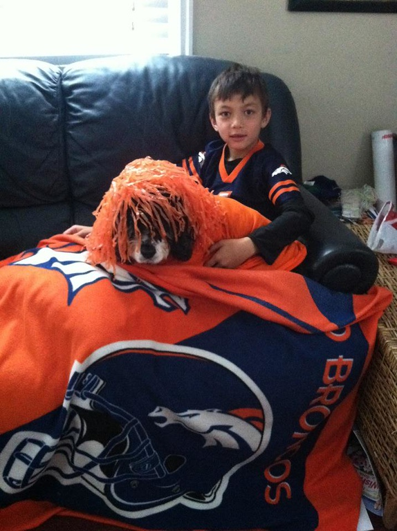 . Go FUNDAY SUNDAY.... My LUCY dog and SON (QB) LOVE IT...... love the HOOPES! GO BRONCO\'S!!!! TEAR it up. Kailee