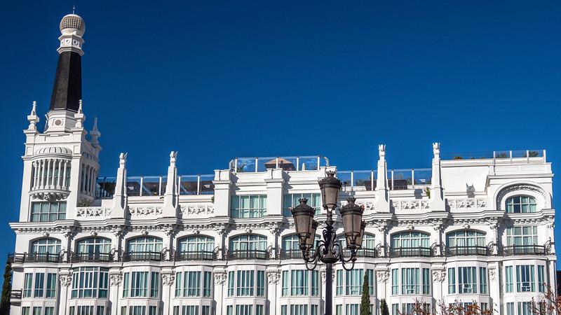 00110 ME Madrid Reina Victoria Hotel 16x9.jpg