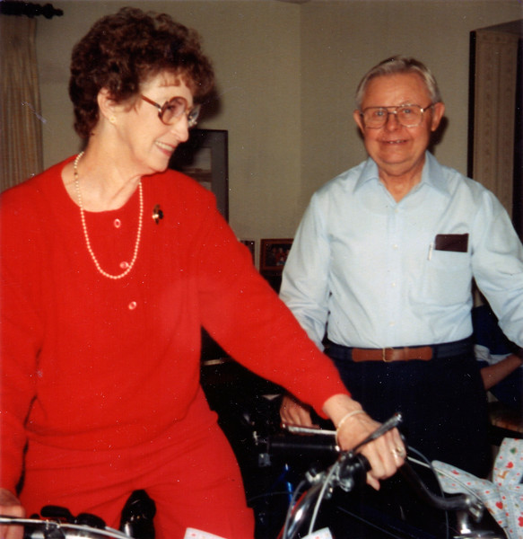 1987-12-25 Annie and Norman Thompson surprised with ten speed bikes at Christmas.jpg