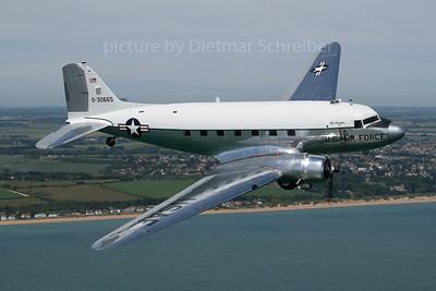 N47E Douglas DC3