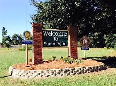 SummertonSign PIC.jpg