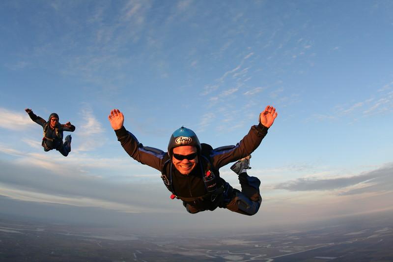 100th skydive craig knudsen dec 2009-33.JPG