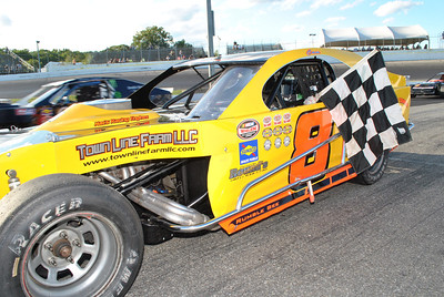 Thompson 8-11-2011 Victory Lane SN