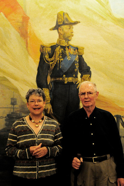 _D038916 Fran and Dale Dickerson with King George V.jpg