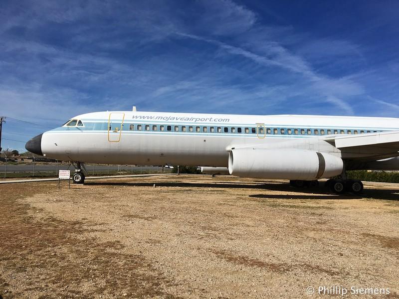 Display aircraft at entrance to Mojave airport