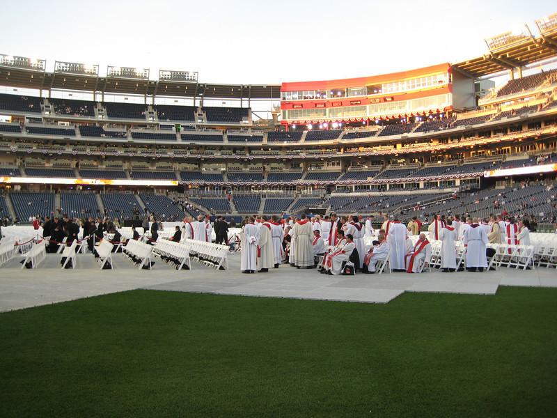 Pope Mass Nats Stadium 4-17-08 010.jpg