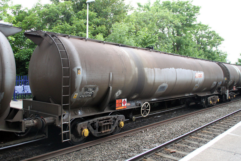 TEA 82754 on 6E55 Theale-Lindsey at Reading West. 01/06/12