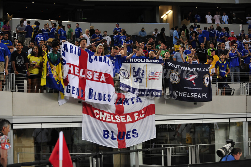 July 26 2009 World Football Challenge - Chelsea FC v Club America: Chelsea fans in action at the Cowboys Stadium in Arlington, Texas.Chelsea FC beats Club America 2-0.