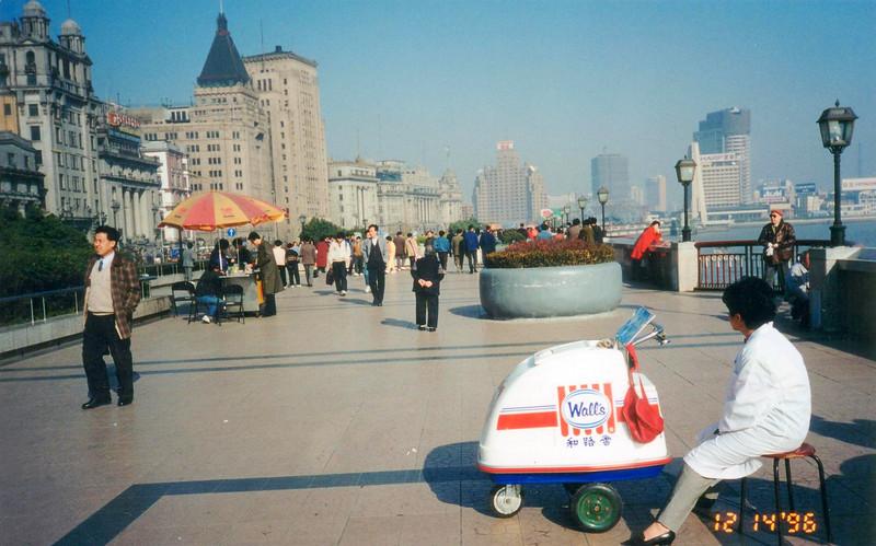 1996: Walls ice cream, a vestige of Britan still, on the Shangahi Bund, Dec 1996
