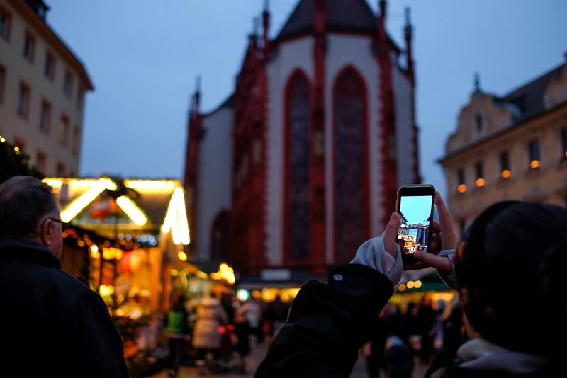 Wurzburg_ChristmasMarket-161126-23.jpg