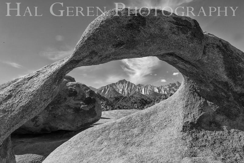 Mobius Arch w Mount Whitney Alabama Hills Lone Pine, California 1610S-AHMA4BW1