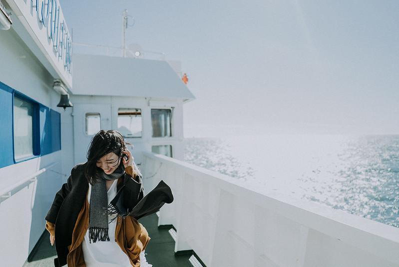 Tu-Nguyen-Destination-Wedding-Photographer-Iceland-Elopement-Fjaðrárgljúfur-16-34.jpg
