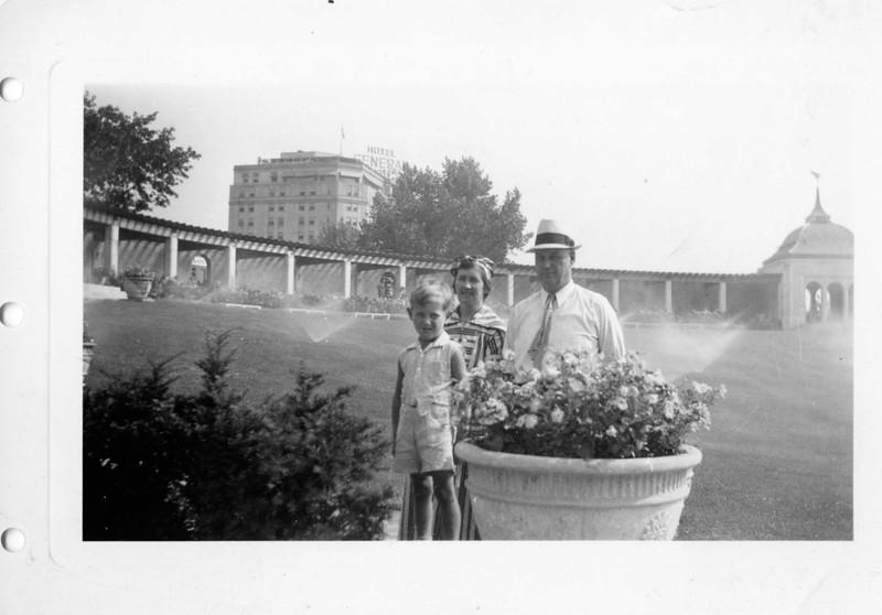 1937; Niagra Falls Park