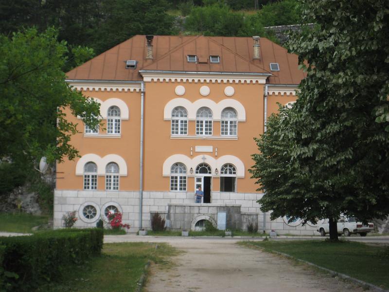 manor_4.jpg