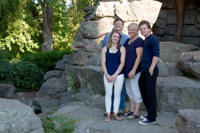 FamilyPortrait_8.20.16_37.jpg