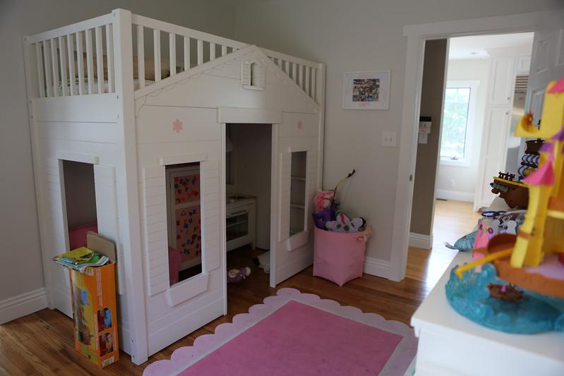 027_Downstairs_Kidsroom3.jpg