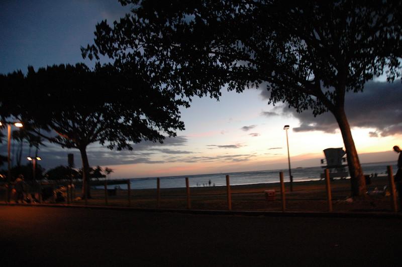 Hawaii - Ala Moana Beach Sunset-204.JPG