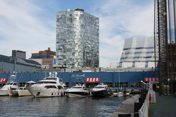 MarineMax Chelsea Piers