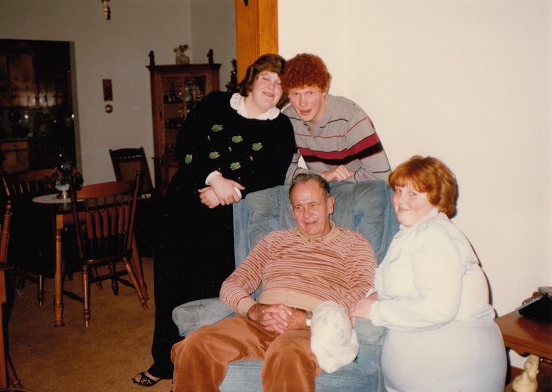 Samantha, Stephen, Ellis& Joyce Sullivan - Xmas 1988.jpg