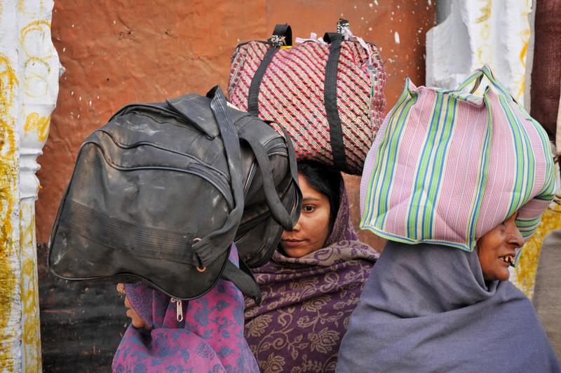 Women pilgrims in Varanasi.