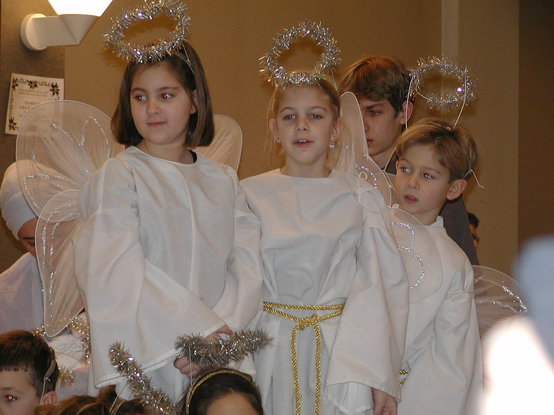 2002-12-21-HT-Christmas-Pageant_120.jpg