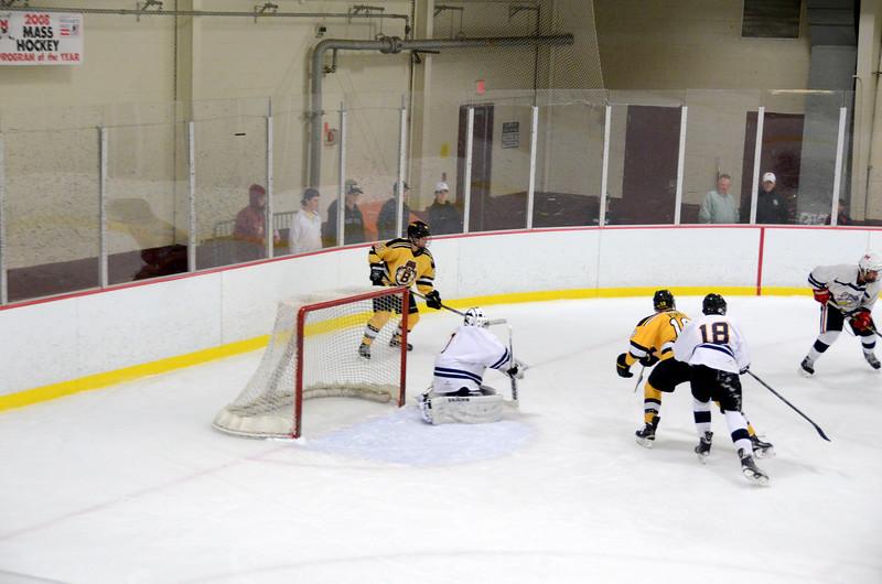 141004 Jr. Bruins vs. Boston Bulldogs-072.JPG