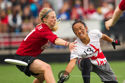 5-24-15 USA Ultimate D1 College Women's Division Semifinals - Carleton Syzygy v Stanford Superfly