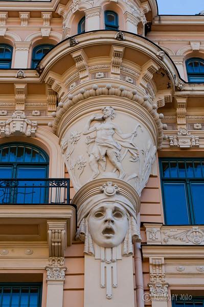 Art Nouveau Alberta 13 Details