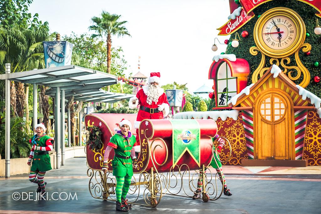 Universal Studios Singapore - A Universal Christmas event 2017 / Santa's Snowy Sleigh Ride Parade 1