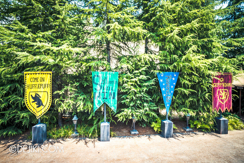 Universal Studios Japan - The Wizarding World of Harry Potter - Hogwarts grounds house flags