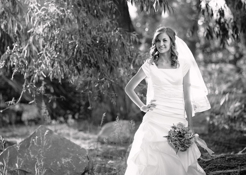 Amy Bridals 021bw.jpg