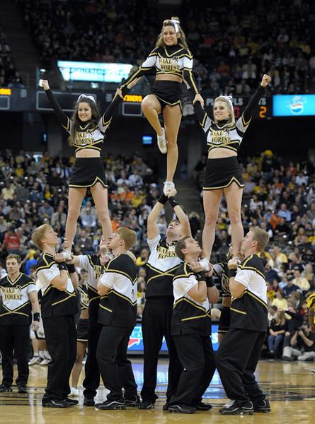 Deacon cheerleaders 01.jpg