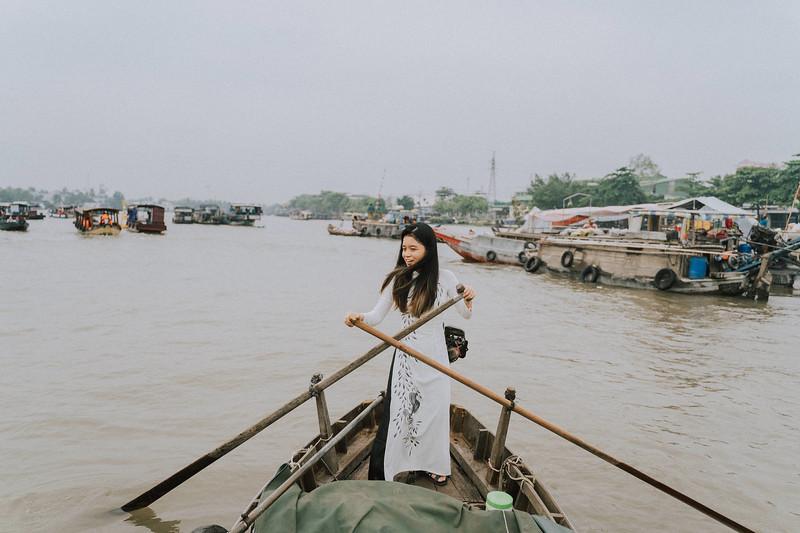 Tu Nguyen Wedding Mekong River Elopement Can Tho  - Southern Vietnam 103.jpg