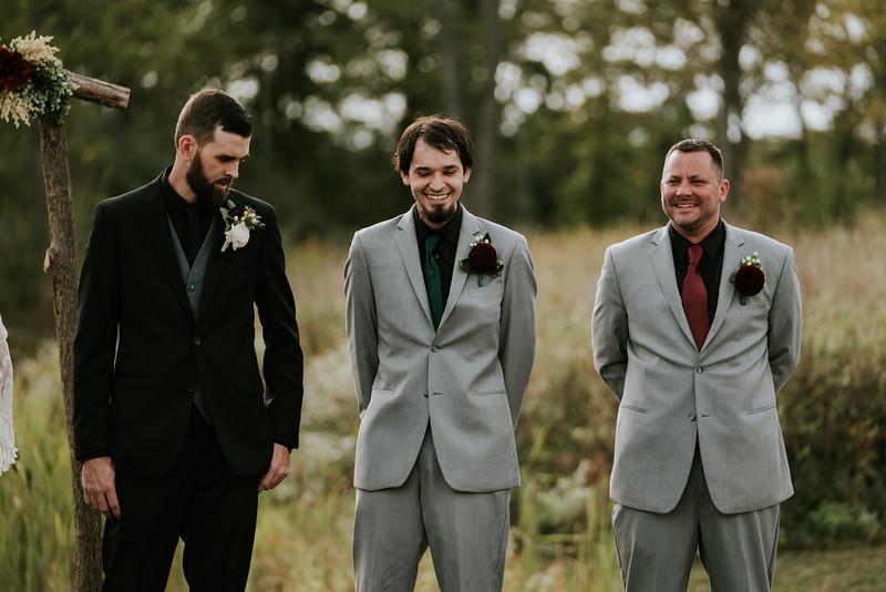 rustic_ohio__fall_barn_wedding-196.jpg