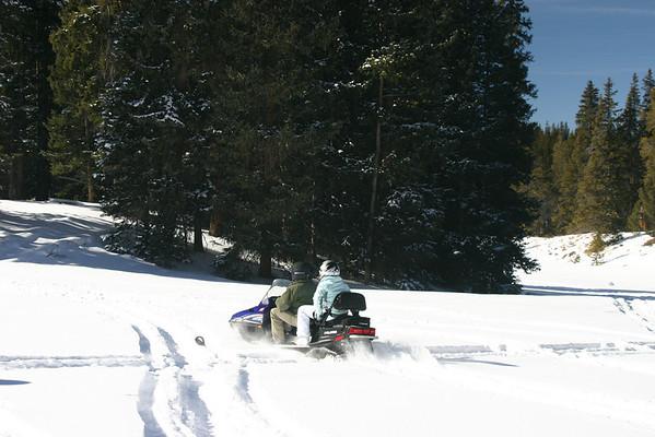 Snowmobiling - Salida