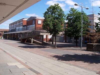 Cavandish Square shopping centre Swindon 2005-2006