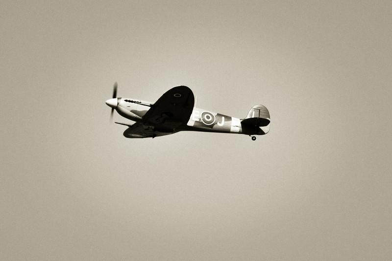 SpitfireIX_03.jpg