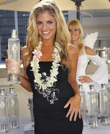 ISVodka at 2009 Emmy Awards Celebrity Gift Lounge