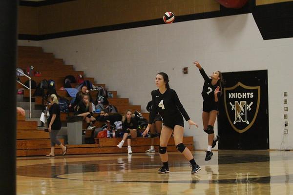 9-11 JV Girls Volleyball vs Holt