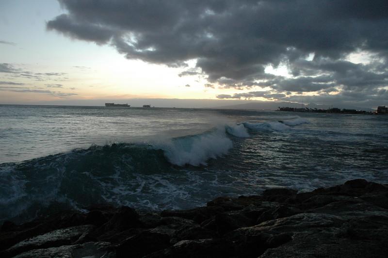 Hawaii - Ala Moana Beach Sunset-144.JPG