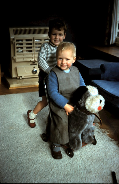 1960-6 (9) Andrew Swan 2 yrs 6 mths & Trevor Russell 2 yrs 10 mths.JPG